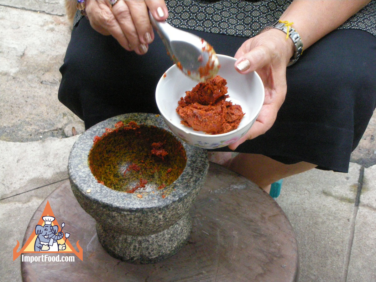 Street Vendor Video: Gaeng Lueng