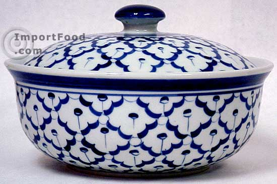 handpainted thai ceramic serving bowl with lid. Black Bedroom Furniture Sets. Home Design Ideas