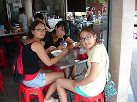 Sidewalk Guide to Bangkok's Finest Street Vendors - Saochingcha Area - Noodles Next Door
