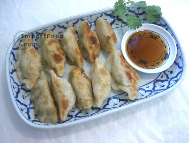 http://importfood.com/media/gyoza_serve_1.jpg
