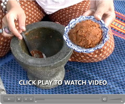 How Thai Curry Paste is Made: Our Step-by-Step Photo/Video Recipe - Video II: Matsaman Curry Paste