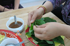 Miang Kham - Fold betel leaf