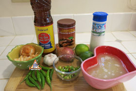 Thai Sweet & Sour Sauce, 'Nam Jim Priao Wan' - Ingredients ready