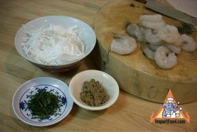 Thai Sticky Rice Steeped in Coconut Milk, 'Khao Neeo Moon' - Prepare shrimp topping