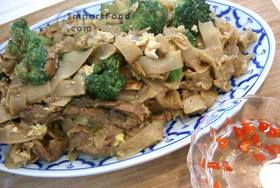 Thai Stir-Fried Wide Rice Noodles, 'Pad Si-iew' - Stir-Fried Wide Rice Noodles, 'Pad Si-iew'