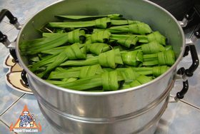 Chicken in Pandan Leaves, 'Gai Haw Bai Toey'