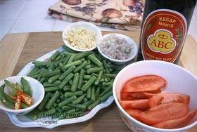 Long Beans in Sweet Soy, 'Kacang Panjang Kecap' - Ingredients ready