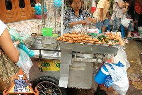 Thai Street Vendor for Thai-Style Toast, 'Khanom Bung Na Goong Roy Nga'