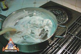 Steamed Thai Dumplings, 'Pun Sip Neung' - Warming wrapper dough