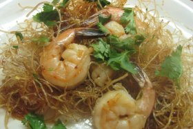 Mee krob with shrimp