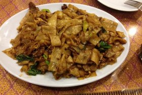 User uploaded image for Thai Stir-Fried Wide Rice Noodles, 'Pad Si-iew'