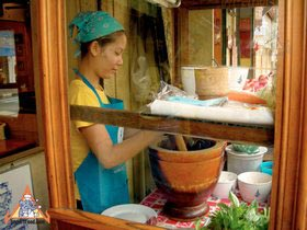 Sidewalk Guide to Bangkok's Finest Street Vendors - Saochingcha Area - Gai Yang Boran