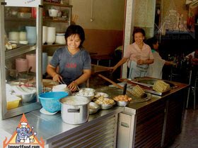 Sidewalk Guide to Bangkok's Finest Street Vendors - Saochingcha Area - Shuan Shim