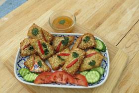Thai-Style Toast, 'Khanom Bung Na Goong Roy Nga' - With pineapple chilli sauce
