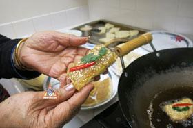 Thai-Style Toast, 'Khanom Bung Na Goong Roy Nga' - Ready to fry