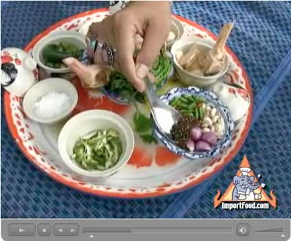 How Thai Curry Paste is Made: Our Step-by-Step Photo/Video Recipe - Video IV: Green Curry Paste