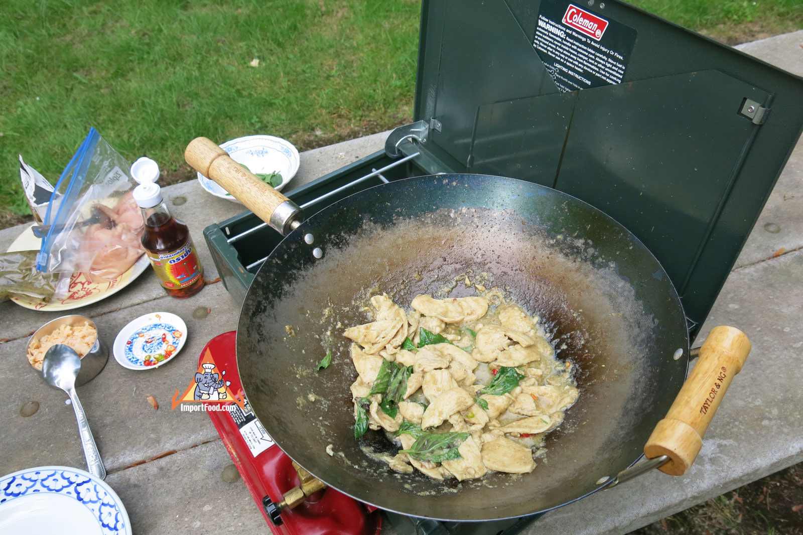 Chicken Stir-Fried with Green Curry,