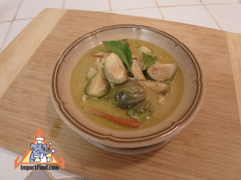 Green Curry with Fresh Chile, Chicken, Eggplant & Kaffir Lime,