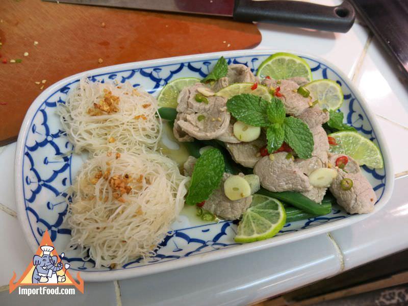 Rice Vermicelli Garlic Lime Pork, 'Sen Mee Pad Kratiem Moo Manao'