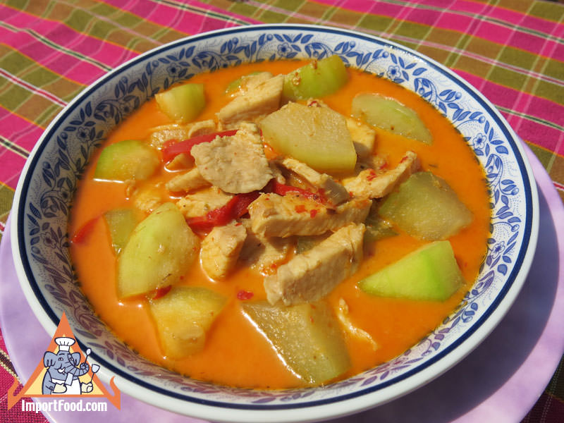Thai Chicken and Winter Melon Curry, 'Kaeng Kua Phak Gai'