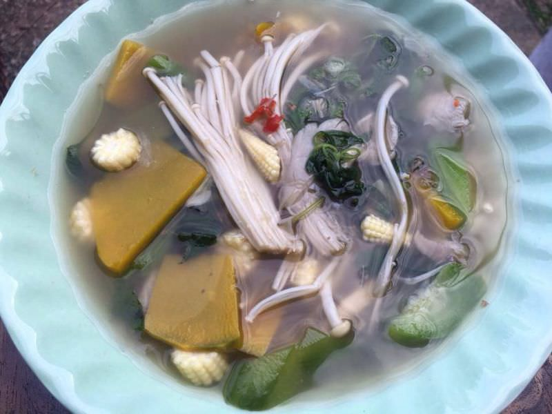 Sour and Spicy Mushroom Soup, 'Tom Yum Het'