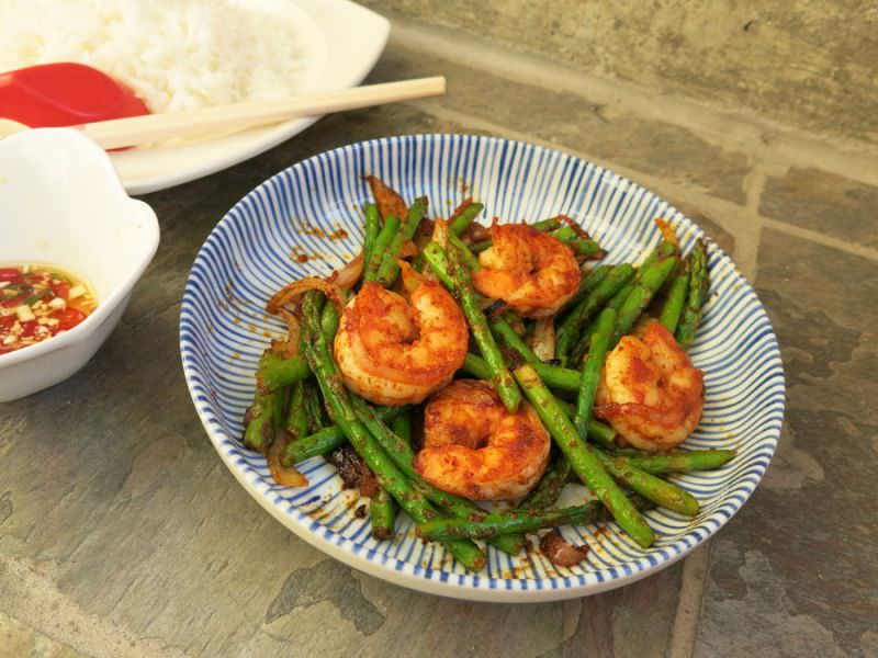 Fried Red Curry Asparagus and Prawns - Mae Pranom