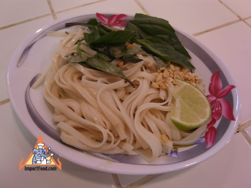Thai-Style Noodles with Peanut Basil Sauce
