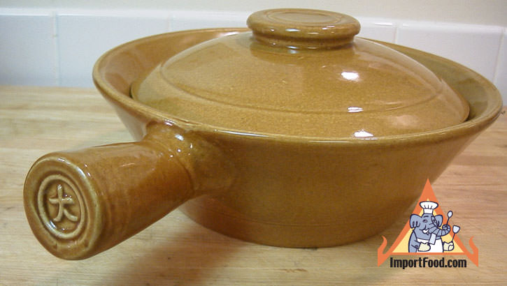 Thai Clay Sharkfin Pot W Lid 10 Inch Importfood