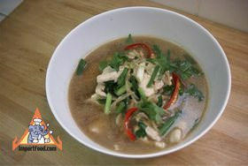 Chicken and ginger soup gai joo khing