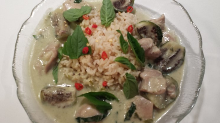 4 Recipe Thai Green Curry with Chicken & Eggplant, 'Gaeng Khiao Wan Gai' :: ImportFood