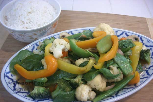 Stir fried vegetables pad phak ruam mitr