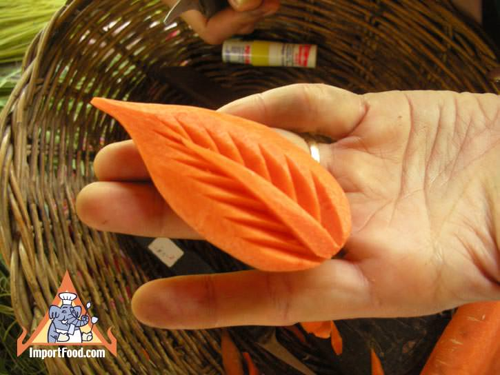 Thai vegetable carving carrot flower importfood
