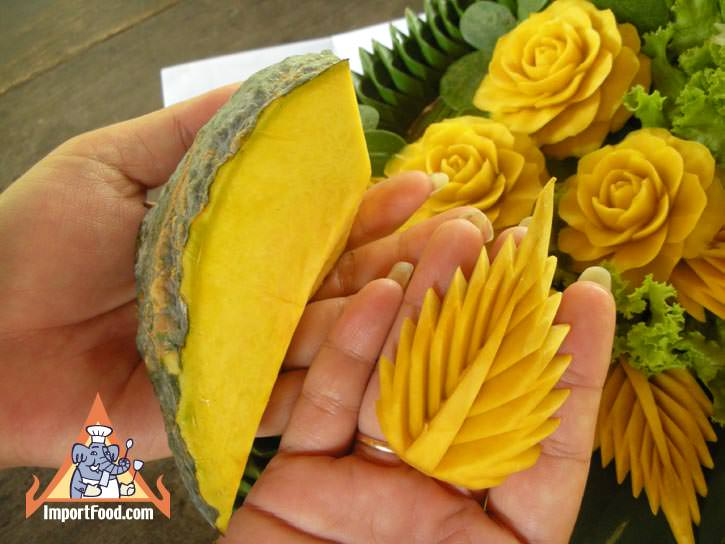 Thai vegetable carving cucumber petal importfood