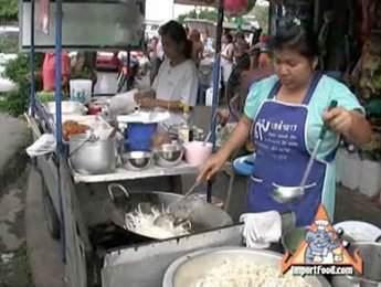 Street Vendor Video: Pad Thai