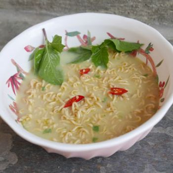 Green Curry Instant Noodles