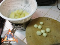 1_pearl_onions_boiled_potatoes.jpg
