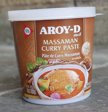 Thai Massaman Curry Paste - Aroy-D - Mae Ploy