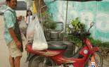 Thai Street Vendor Prepares Chinese-Style Soup, Gra Pawt Pla Tae