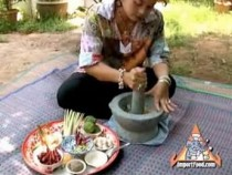 How To Make Thai Curry Paste: Video