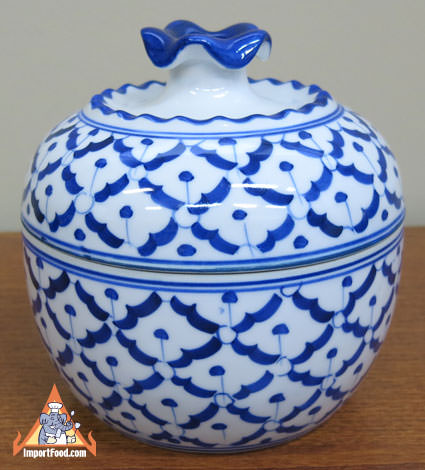 Ceramic, bowl with dome lid
