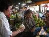 fresh-coconut-juice-vendor-in-thailand-03.jpg