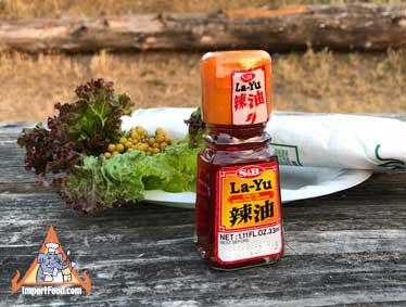 La-Yu chili oil with chili pepper