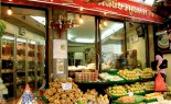 Bangkok Vendor Mae Varee Offers Sweets, Fresh Fruit and Sticky Rice