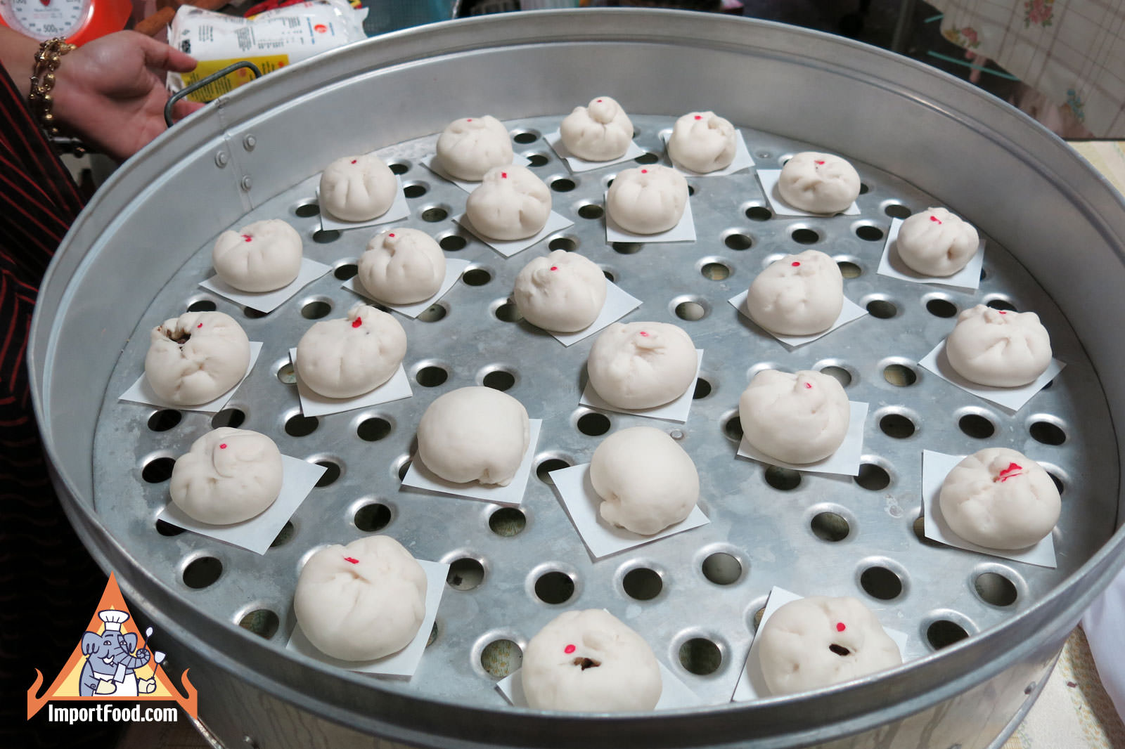 Street Vendor Makes Steamed Buns - Salapao