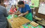 Thai Vendor Makes Sesame Snack Bars