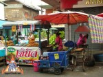 thai-meatball-vendor-01.jpg