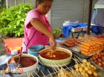 thai-meatball-vendor-12.jpg