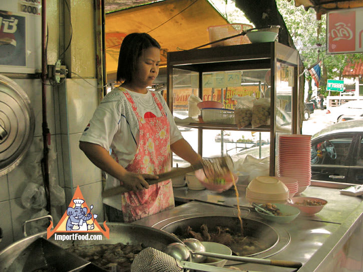 Bangkok Vendor Thong Lor Pochana, Duck Soup and More