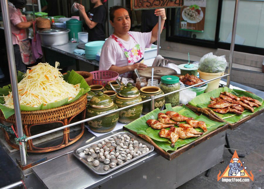 Thai Street Vendor offers fresh Som Tum Papaya Salad, Gai Yang Barbeque Chicken, and Clams